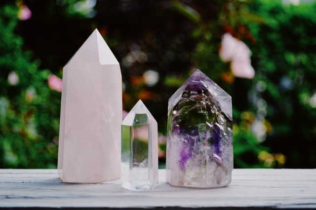 How Does Reiki Healing with Crystals Work?